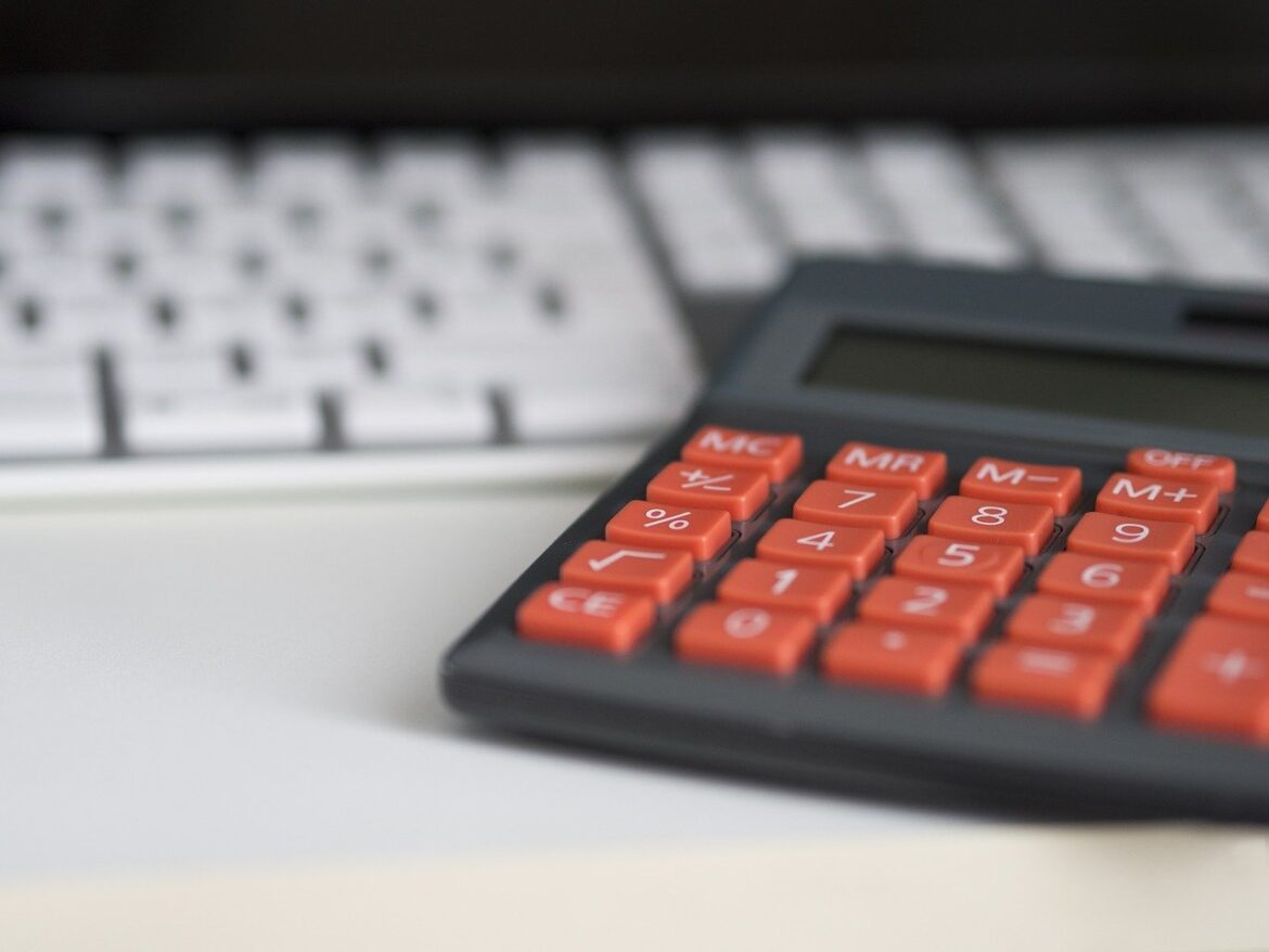 Outsourcing Accounting helps in Investing in Knowledge